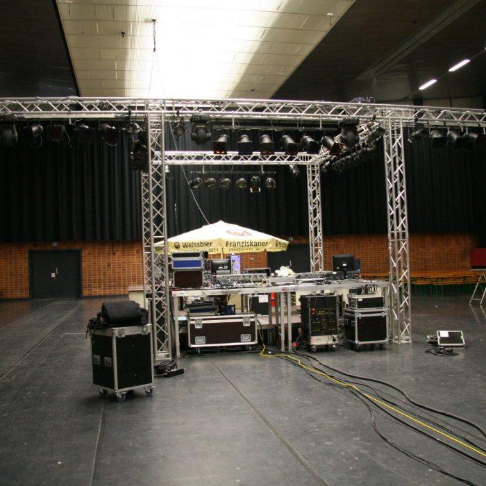 AUDIO-SYSTEME - Bühnenplanung / Bühnenaufbau